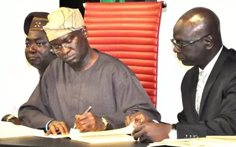 Nigerian anti-corruption activists drag Fashola to EFCC over N78 million website scandal