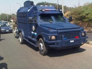 Robbers attack Central Bank bullion van, 2 police officers killed, 3 injured