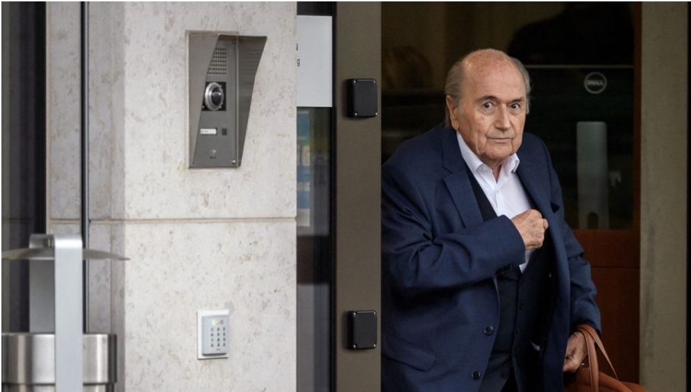 FIFA extends ban on Blatter and Valcke by six years